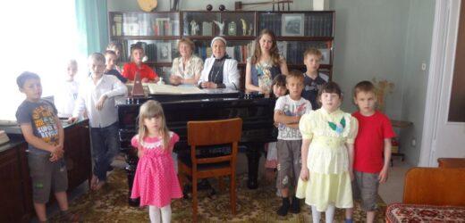 Воспитанники детского дома в Музее Назиба Жиганова 2013
