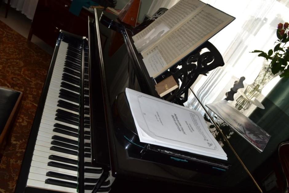 Кабинетный рояль Назиба Жиганова